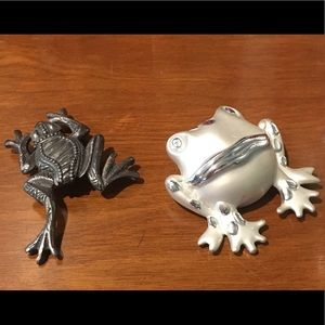 2 Frog brooches for any occasion